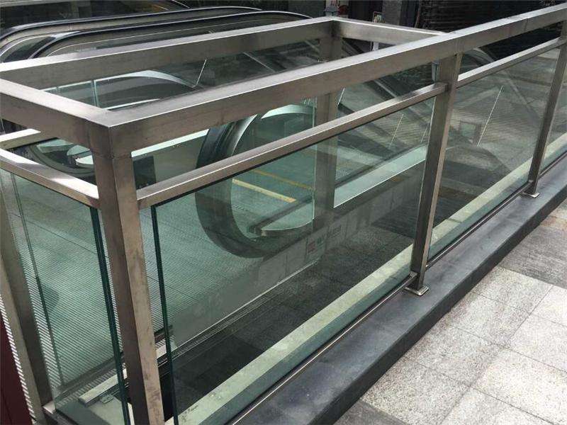 电梯不锈钢护栏