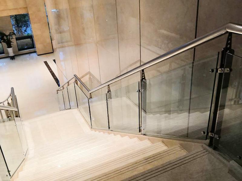 不锈钢玻璃扶手厂家