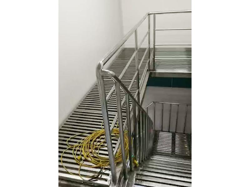 不锈钢楼梯工程案例